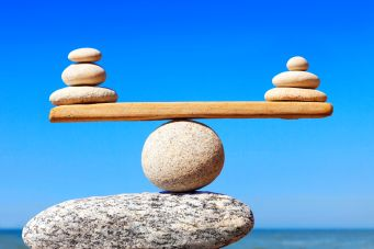 Balancing-rocks_GettyImages-941952968_webpic